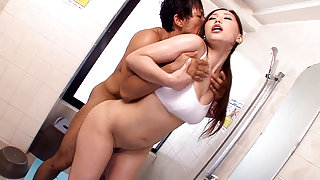 Ai Sayama in Ai Sayama Loves The Gym - MilfsInJapan