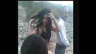 Arab sisters naked in front of father - دختران عرب با شورت و سوتین کنار خانواده